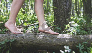 Relaxologie de pleine conscience et Magnétisme EBEME : marcher pieds nus en pleine conscience